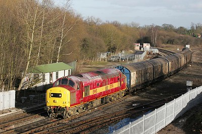 37174 heads 6G42 1123 Birch Coppice-Bescot off the Kingsbury Jnct branch at Whitacre Jnct on 23/12/2004.
