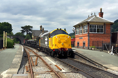 37901 stands at Carrog with a short PW train on 17/06/2006.