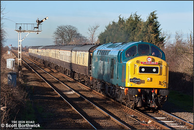 40145 powers through Manea on 23/01/2005 with 1Z40 1135 York-London Kings Cross. This was the final train of the weekend celebrating the CFPS's Silver Jubilee which had seen the loco run from London Kings Cross to York on the Friday, then York to London Liverpool Street via Peterborough and March, returning from London to York via Norwich and Peterborough on the Saturday , and finally on the Sunday from York to London Kings Cross via Peterborough and Ely.