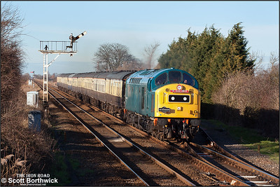 40145 powers through Manea on 23/01/2005 with 1Z40 1135 York-London Kings Cross. This was the final train of the weekend celebrating the CFPS's Silver Jubilee which had seen the loco run from London Kings Cross to York on the Friday, then York to London Liverpool Street via Peterborough and March, returning from London to York via Norwich and Peterborough on the Saturday, and finally, on the Sunday from York to London Kings Cross via Peterborough and Ely.