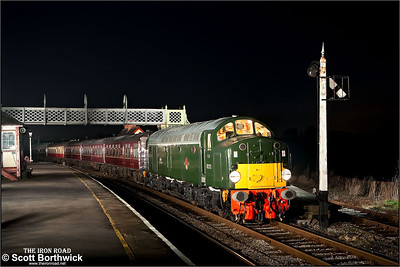 D212 (40012) 'Aureol' stands at Swanwick Junction during an EMRPS Photo Charter on 03/02/2007.