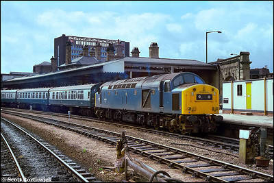 40150 stands at Sheffield prior to working a Sheffield-Lincoln footex on 03/09/1983. Sheffield United beat Lincoln City 2-0 in the then League Division 3 match which was watched by 6686.