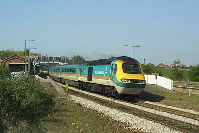 43050/43081 restart 1C37 1327 Sheffield-London St Pancras away from Wellingborough on 18/04/2003.