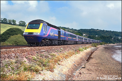 43169/43034 pass Flow Point, Bishopsteignton on 09/09/2005 whilst working 1C84 1205 London Paddington-Penzance 'The Royal Duchy'.