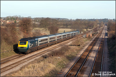 43086 brings up the rear of 1F13 0930 London St Pancras-Derby at Radwell headed by 43066 on 03/01/2005.