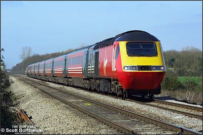 43197 'The Railway Magazine'/43156 speed 1V49 0640 Dundee-Penzance 'The Cornishman' past Pirton Crossing, Worcestershire on 26/03/2002.