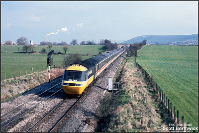 43169/43141 accelerate away from Westbury at Fairwood on 25/02/1988 with the 1215 London Paddington-Plymouth service.
