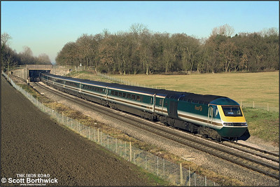 43179/43150 pass Besford whilst forming 1L58 1208 Worcester Shrub Hill-London Paddington on 12/12/2001.