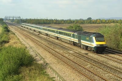 43173/43036 speed past Denchworth with a London Paddington bound service on 18/10/2002.