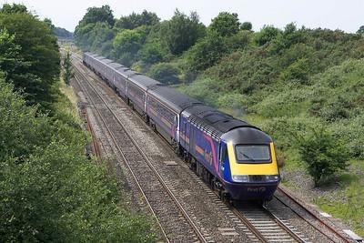 43149/43139 pass Baulking on 13/07/2005 with 1L60 1255 Cardiff Central-London Paddington.