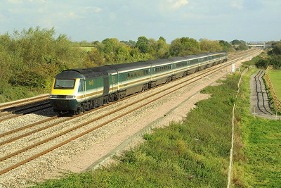 Returning from Londaon Paddington, 43036/43174 head west at Denchworth on 18/10/2002.