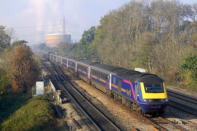 43079/43026 forming 1A13 1030 Bristol Temple Meads-London Paddington pass Didcot East Jnct on 21/11/2005 running 19 minutes late due to over running engineering works.