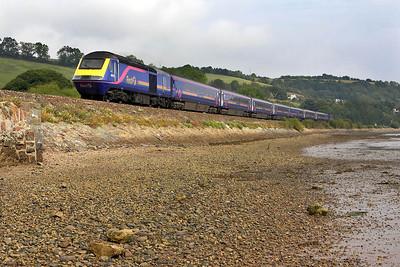 43176/43012 pass Flow Point, Bishopsteignton on 09/09/2005 with 1C83 1105 London Paddington-Plymouth.