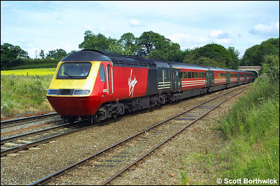 43070, with 43078 out of shot on the rear, approaches Whitacre Jnct with a diverted Virgin Cross Country service on 07/07/2002.