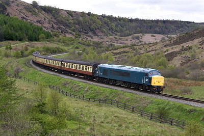 45133 is pictured rounding the curve just to the south of Carters House in Newtondale on 14/05/2005 whilst working the 1245 Grosmont-Pickering service.