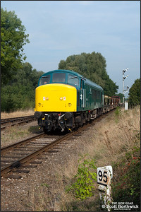 45041 'Royal Tank Regiment' approaches Quorn & Woodhouse with a short ballast train on 29/09/2014.