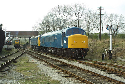 45041+D7671 pass Butterley station on 05/04/2003 whilst returning to Swanwick Junction TMD from Hammersmith after working the 1427 Riddings-Hammersmith service.