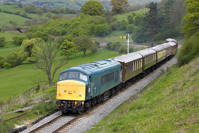 The diners were already tucking into their starters as 45133 passed Green End with the Sunday lunchtime Pulman service, the 1245 Grosmont-Pickering, on 15/05/2005.