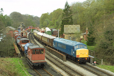 45133 heads the 1250 Grosmont-Pickering 'Moorlander' dining train as it pauses at Goathland on 24/04/2004. D7628 was on the rear.