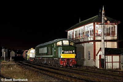 D182 (46045) restarts a mixed freight away from Swanwick Junction on 12/12/2009.
