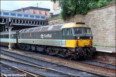 47708 'Waverley' awaits departure from Glasgow Queen Street on 15/07/1985 with 1O18 1030 Glasgow Queen Street-Edinburgh Waverley.
