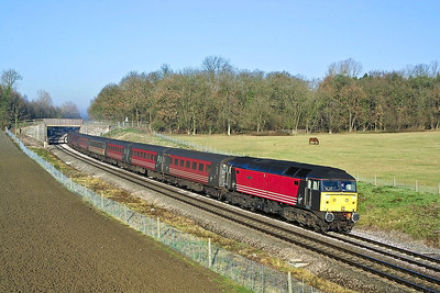 47843 speeds past Croome Perry Wood, Besford on 12/12/2001 whilst in charge of 1V45 0913 Liverpool Lime Street-Plymouth.
