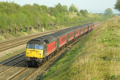 47817 heads a northbound Virgin Cross Countryservice through South Moreton Cutting on 10/04/2002.