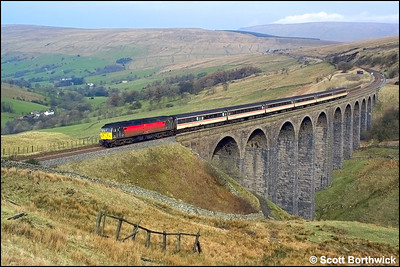 47840 'North Star' crosses the spectacular Arten Gill Viaduct with 1V50 0636 Glasgow Central-Penzance service on 23/03/2002.