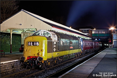 D9016 'Gordon Highlander' awaits departure from Bury Bolton Street on 16/02/2013.
