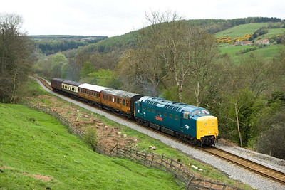 55019 passes Green End working 2G04 1125 Goathland-Grosmont on 20/04/2007.