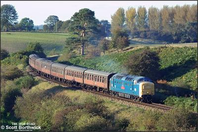 55019 rolls down Eardington bank with the 1705 Bridgnorth-Kidderminster service on 04/10/2002.