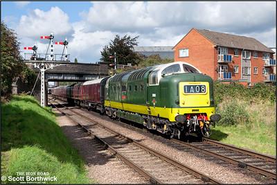 D9009 'Alycidon' passes Beeches Road, Loughborough on16/09/2010.