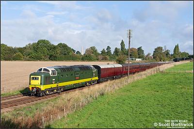 D9009 'Alycidon' passes Woodthorpe on16/09/2010.