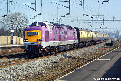 D9016 'Gordon Highlander' (55016) races through Tamworth Low Level on 28/03/2002 whilst on a test run as 1Z45 1130 Rugby-Lancaster.