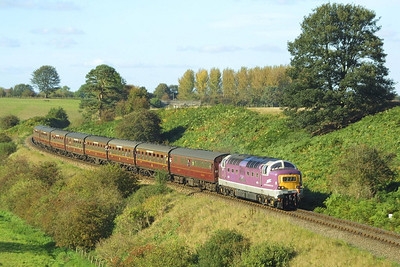 D9016 decends Eardington bank on 04/10/2002 with the 1535 Bridgnorth-Kidderminster service.