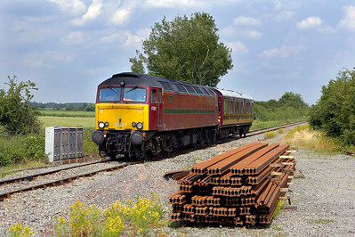 57601 passes Islip on 29/06/2006 with 2Z01 0650 Stafford-Crewe via Acton Main Line.