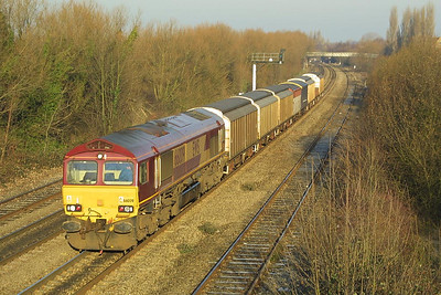 66009 approach Oxford on 14/12/2001 with 6V03 0915 Fenny Compton-Didcot TC.