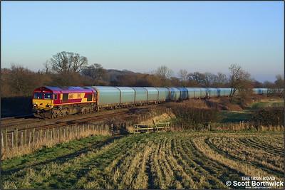 66165 climbs Hatton bank on 31/12/2001 with 6M49 0951 Southampton Eastern Docks-Washwood Heath.
