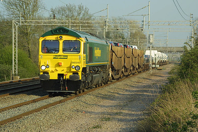 66545 passes Cathiron on 19/04/2002 whilst in charge of 6M26 1405 Dagenham-Crewe Gresty Lane Ford service.