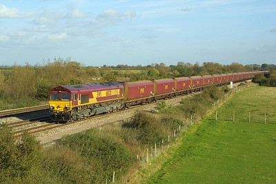 66020 pases Denchworth on 05/11/2001 with a Didcot Power Station-Avonmouth BBHT coal etys.