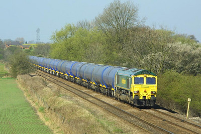 66603 heads a rake of clean tanks at Barrow upon Trent on 06/04/2002 whilst working 6E55 1003 Kingsbury Oil Sdgs-Humber Oil Refinery.