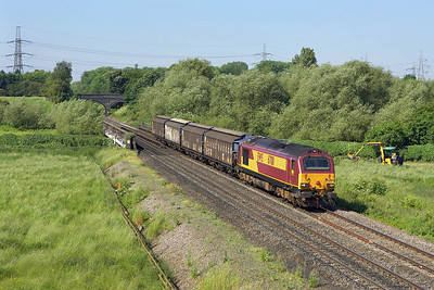 67011 passes Lea Marston on 09/06/2006 with 6G36 0909 Bescot Yard-Birch Coppice.