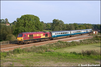 67025 'Western Star' and 67013 'Dyfrbont Pontcysyllte' top & tail 1J87 1517 London Marylebone-Wrexham General at Hatton North Jnct on 20/09/2008.