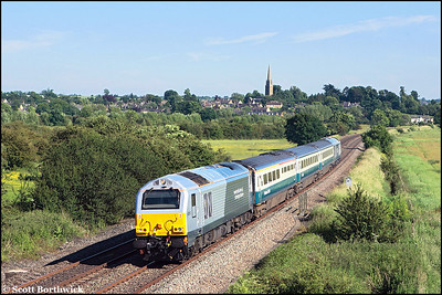 67013/67015 top & tail 1J83 1610 London Marylebone-Wrexham General passing Kings Sutton on 10/06/2008.