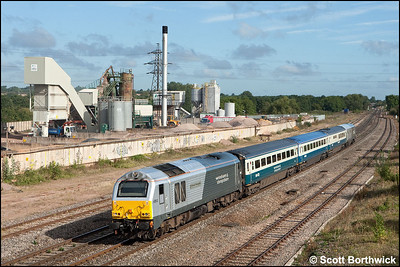 67013 'Dyfrbont Pontcysyllte' passes the LaFarge aggregates terminal at Banbury whilst in charge of 1P03 0723 Wrexham General-London Marylebone on 09/09/2009.