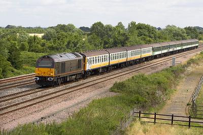 Royal 67005 heads 5Z23 0842 Stewarts Lane-Caerwent at Denchworth on 20/07/2005 conveying Class 421 4-CIG units 1863, 1861 & 1862 for scrap.
