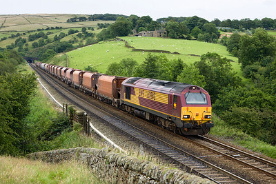 67003 passes Wash whilst working 6M87 1530 Toton-Peak Forest on 28/07/2007.