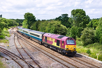 67001/67017 'top & tail' 1P50 1045 Wrexham General-London Marylebone at Hatton on 22/06/2008.