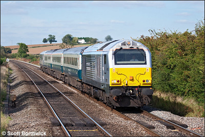 67012 'A Shropshire Lad' passes Kings Sutton whilst working 1P13 1123 Wrexham General-London Marylebone on 24/09/2009.