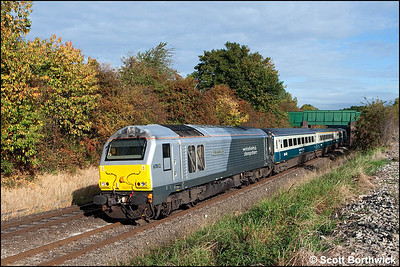 67012 'A Shropshire Lad' passes an autumnal Whitnash whilst leading 1P03 0723 Wrexham General-London Marylebone on 02/10/2009.